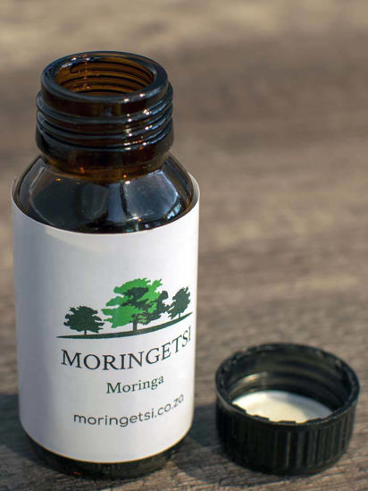 Picture of Pure Moringa Seed Oil - Amber Glas Bottel - 100ml